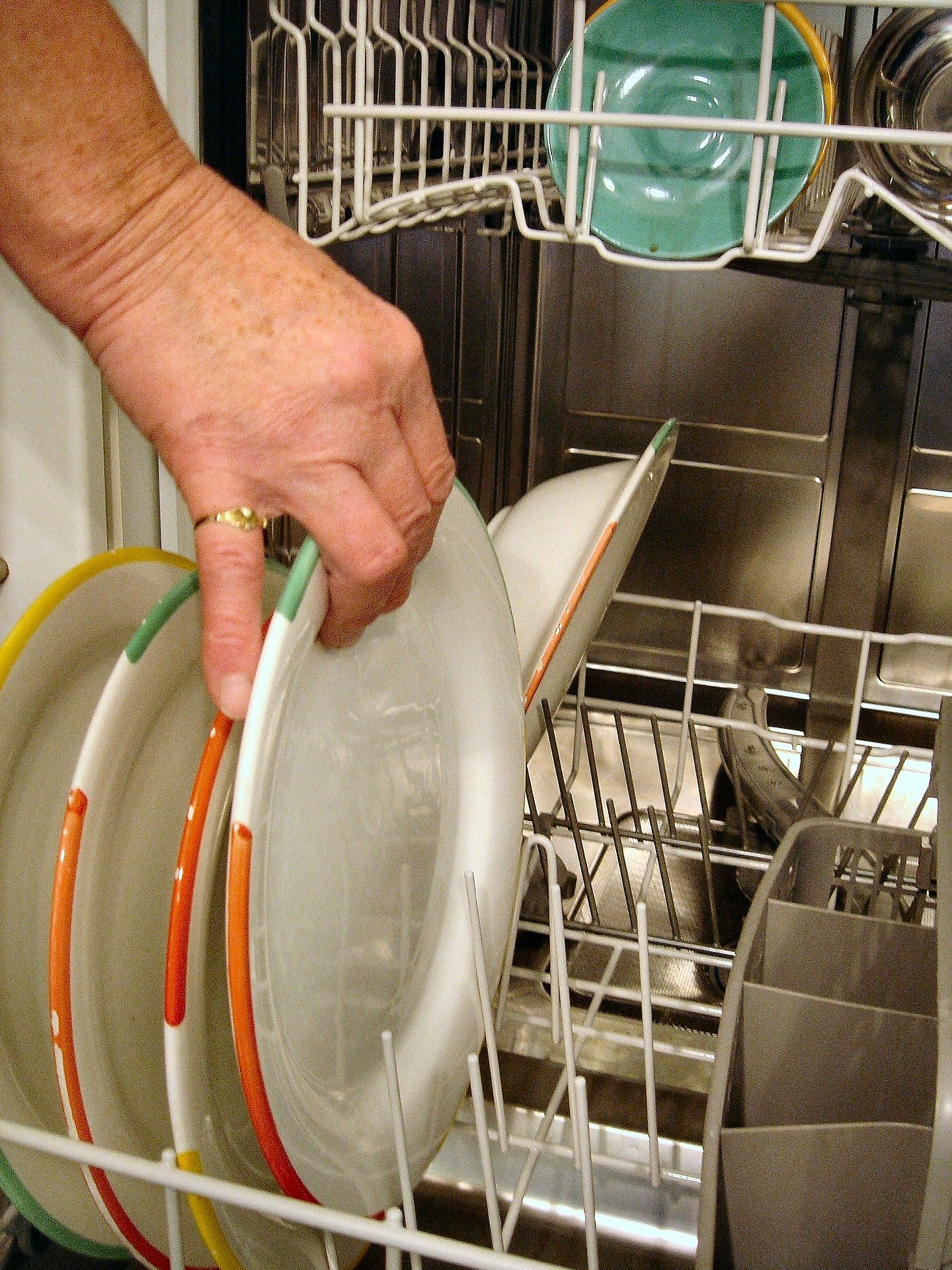 Dishwasher with Garbage Disposal